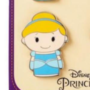Hallmark Itty Bittys- Cinderella pin
