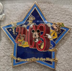 2003 Cast member pin - the stars behind the magic pin