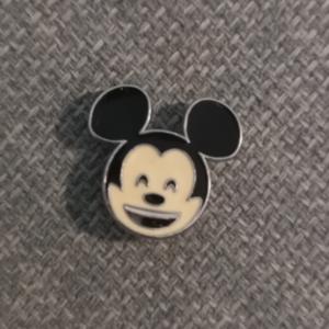 Primark Emoji Mickey pin