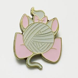 Marie - Yarn Ball - Loungefly Blind Box Pins pin