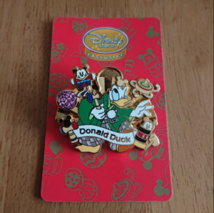 2011 JDS Hina Matsuri Golden Fan - Donald  pin