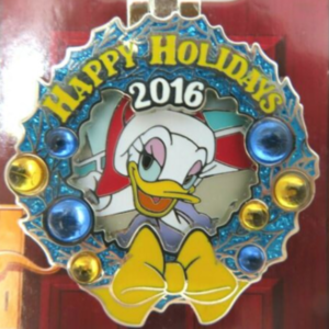 Contemporary Resort - Holiday Wreaths Resort Collection pin
