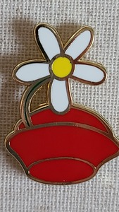 Character Hats - Mystery - Minnie Mouse pin