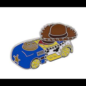 Woody mini racer pin