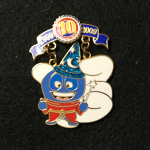Pin Trading 10th Anniversary Tribute Deebee pin