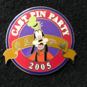 Cast Pin Party Goofy 2005 pin