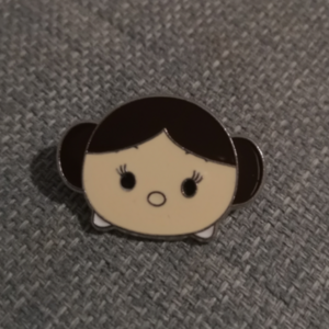 Tsum Tsum Princess Leia pin