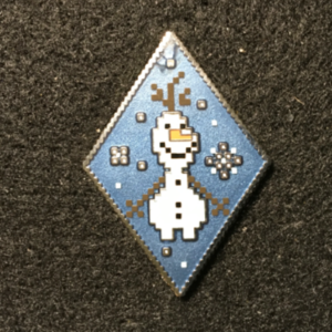 Frozen Diamond Pixel Mystery Set Olaf pin
