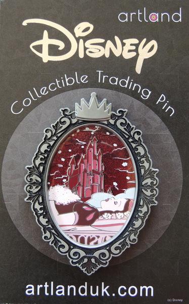 Snow White Gothic Princess Artland pin