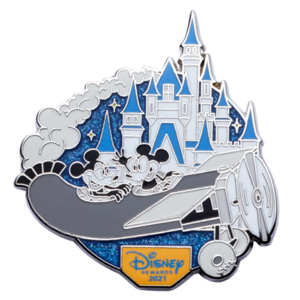 Mickey and Minnie Mouse – Plane Crazy – Disney Visa Cardmember Exclusive 2021 pin