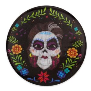 Mama Imelda button/badge pin