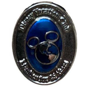 Disney Vacation Club 25 year member pin