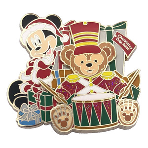 Christmas Day 2020 with Mickey and Duffy pin