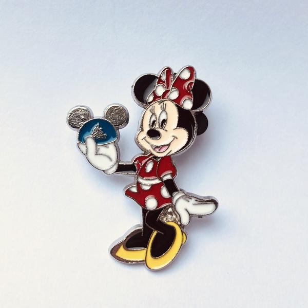 Minnie holding Mickey ears  pin