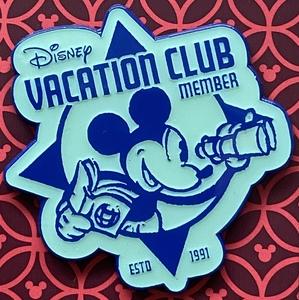 Disney Vacation Club Member - Mickey with binoculars pin