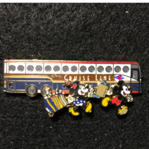 DCL Bus Mickey Minnie  pin
