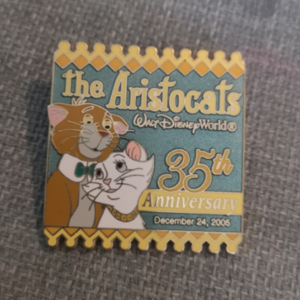 Aristocats 35th Anniversary pin