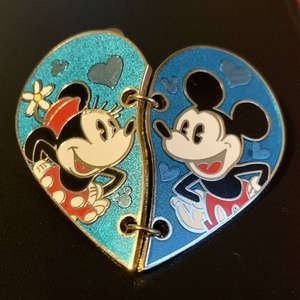 Mickey and Minnie heart link pin