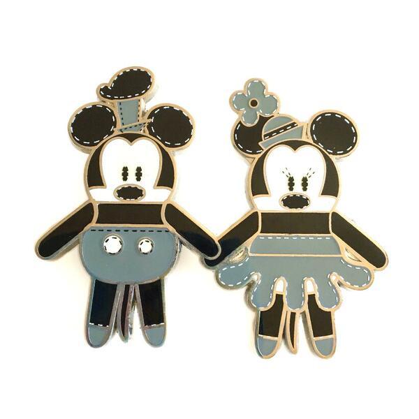 Steamboat Willie Mickey & Minnie Pook-A-Looz Pin