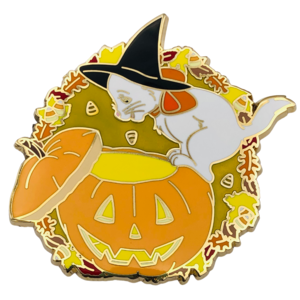 Marie looking into a pumpkin - Itsumademo pin