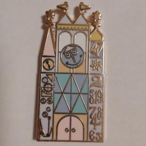 Small World clock - Fantasy pin