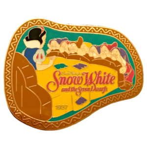 History of Art (Japan) - Snow White and the Seven Dwarfs 1937 pin