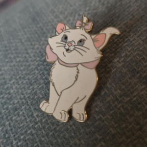 Standing Marie pin