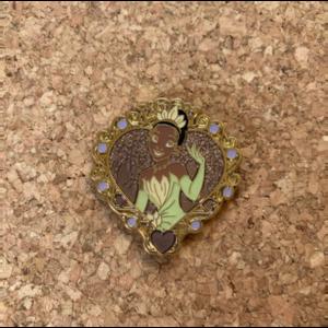 DLP/WDW/DL - Tiana (Princess Hearts booster set) pin