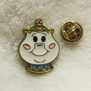 Mrs Potts emoji pin
