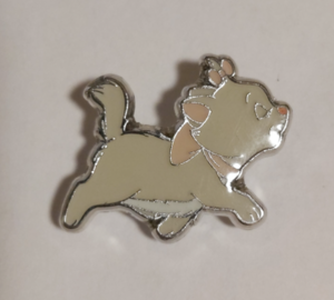 Marie Trotting - Loungefly pin