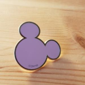 Typo- Mickey pin