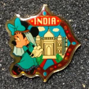 Morinaga India Minnie pin