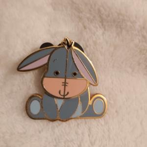 Eeyore Bobble Head pin