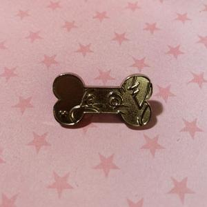 Bolt - Hidden Mickey Dog Bone (Chaser) pin