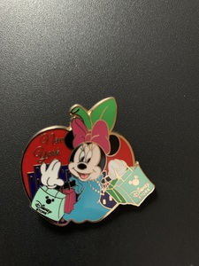 Minnie Mouse new york pin