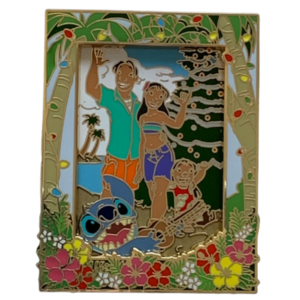 Lilo and Stitch - DSSH Christmas Family Portrait  pin