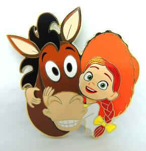 Jessie & Bullseye Artland UK pin