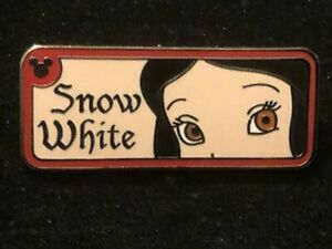 Hidden Mickey series 2 - Snow White rearview mirror pin