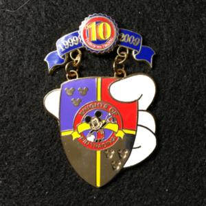 Pin Trading 10th Anniversary Tribute Knights  pin
