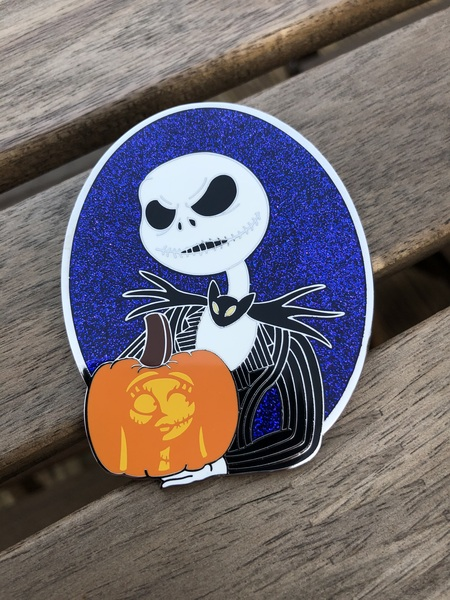 Jack holding a pumpkin of Sally pin