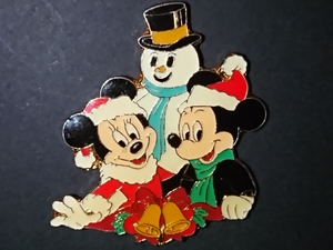 WDW Cast Exclusive - Mickey and Minnie with Snowman pin