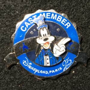 DLP Cast Member 25th Anniversary PT Goofy  pin