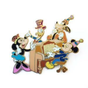 Happy New Year 2007 - Mickey, Minnie, Donald & Goofy pin