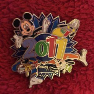 2011 - spinner  pin