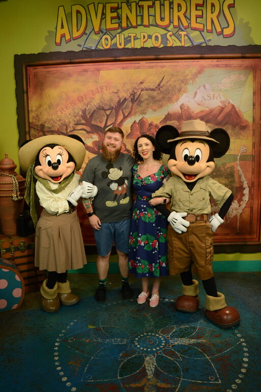 Speaking of Explorer Minnie, here is Elaine and Toby meeting Explorer Minnie and Explorer Mickey
