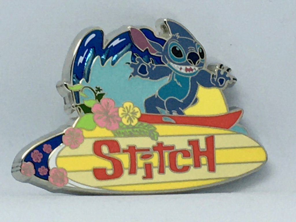 This adorable Stitch is an Artland pin