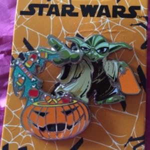 Halloween Yoda  pin