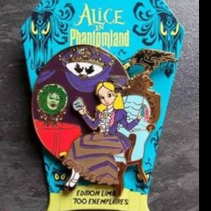Alice in Phantomland - Madam Leota pin