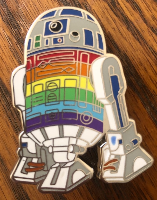 """R2D2 with a large blue dot on his leg, definately a grade """"C"""""""