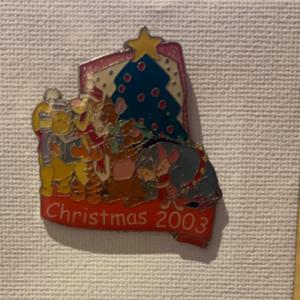 Winnie the Pooh christmas 2003 pin